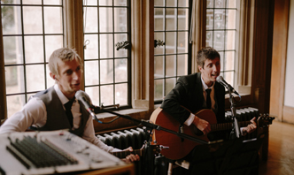south west wedding acoustic duo the moon loungers